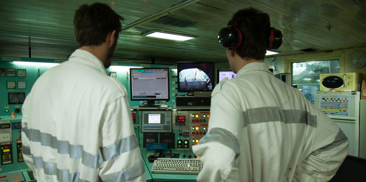 ENSM students officers onboard