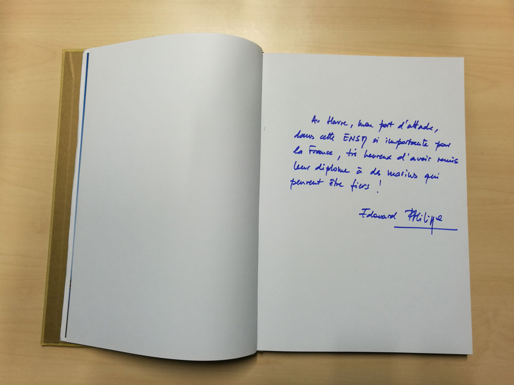 Edouard Philippe's message on the guest book - ENSM Graduation Ceremony