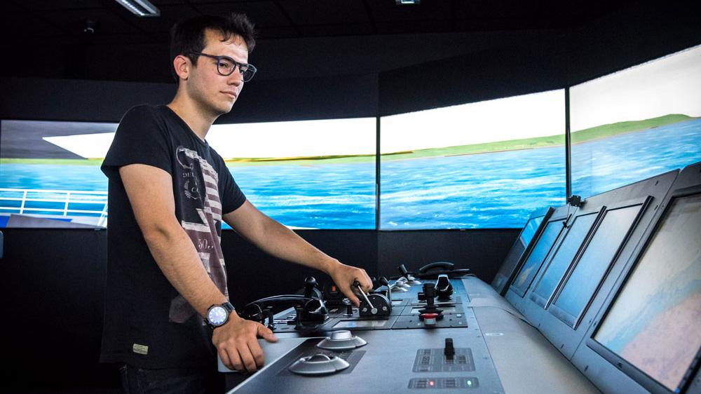 Élève Ingénieur navigant de la Marine marchande